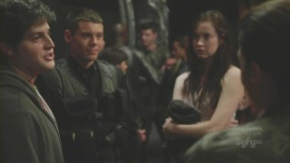 stargate.universe.s02e12.avi_000676634