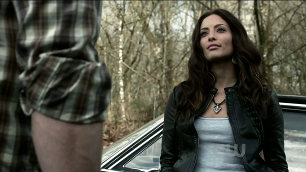 Erica Cerra dans les bois avec Sam