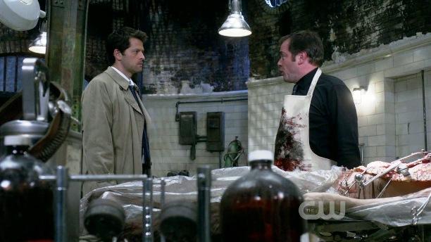 Cas et Crowley en pleine scène de ménage