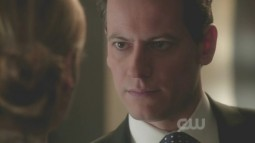Ringer.S01E17.What.We.Have.is.Worth.the.Pain.avi_000146062