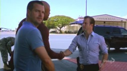 Hawaii.Five-0.2010.S02E21.avi_001015597