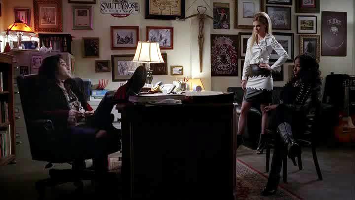 Le Shérif avec Pam et Tara