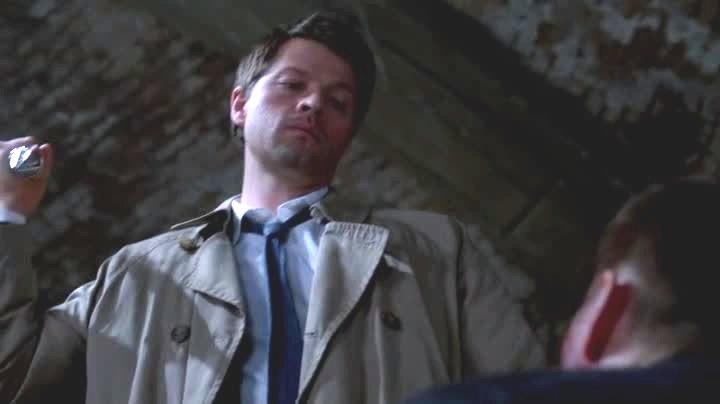 Cas sur le point de tuer Dean