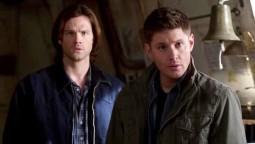 Sam et Dean découvrant un Kevin dingue