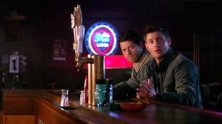 Castiel et Dean cherchant Cupidon