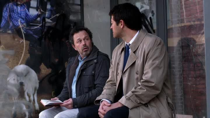 metatron et Castiel discutent