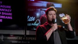 Dean chante et boit en meme temps